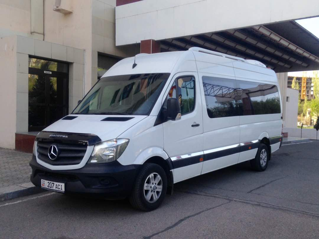 Rent a minibus Mercedes Benz Sprinter 2011