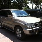 Rent Jeep Toyota Land Cruiser 100